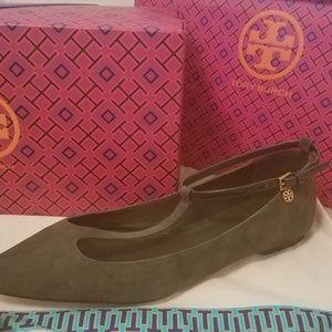 78df7a00d14 Tory Burch Shoes - TORY BURCH Ashton Flats Sz 8.5